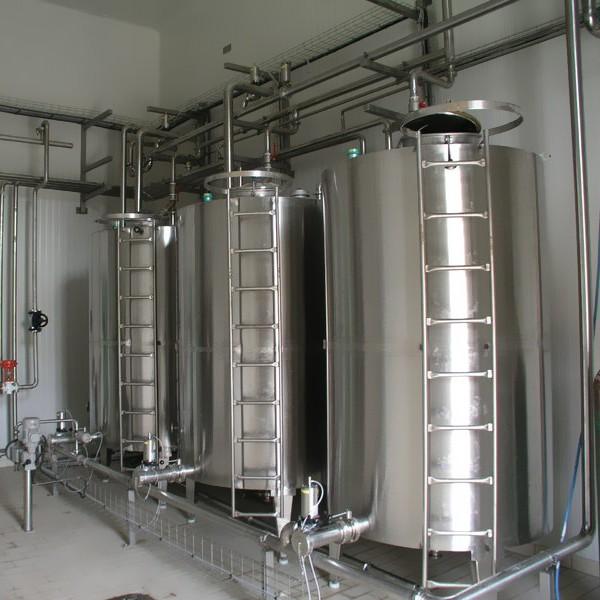 Strained yogurt incubation unit