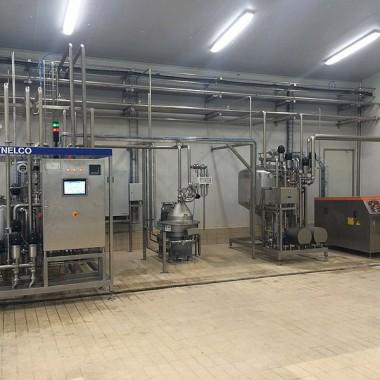 Fully automatic pasteurizing-standardizing-degassing homogenizing unit